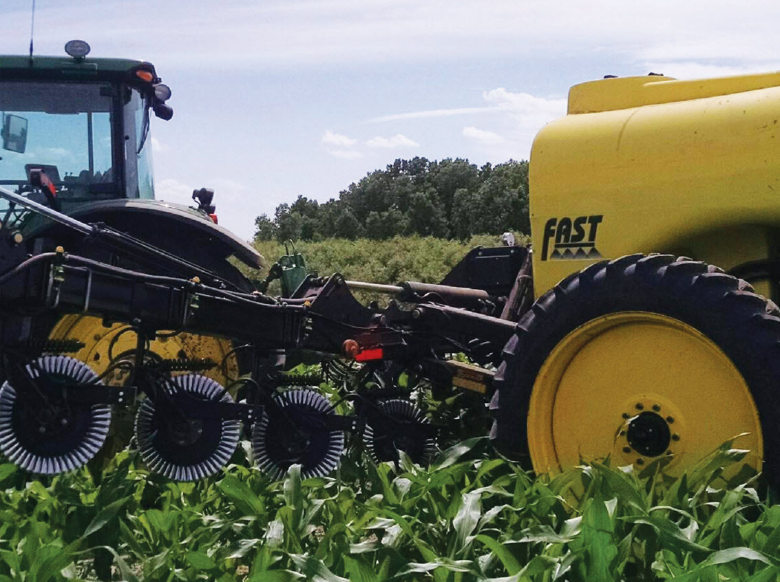 FAST AG 8000 Liquid Fertilizer Applicator - Image 1