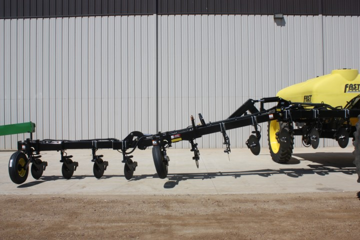 FAST AG 8200 Liquid Fertilizer Applicator - Image 2